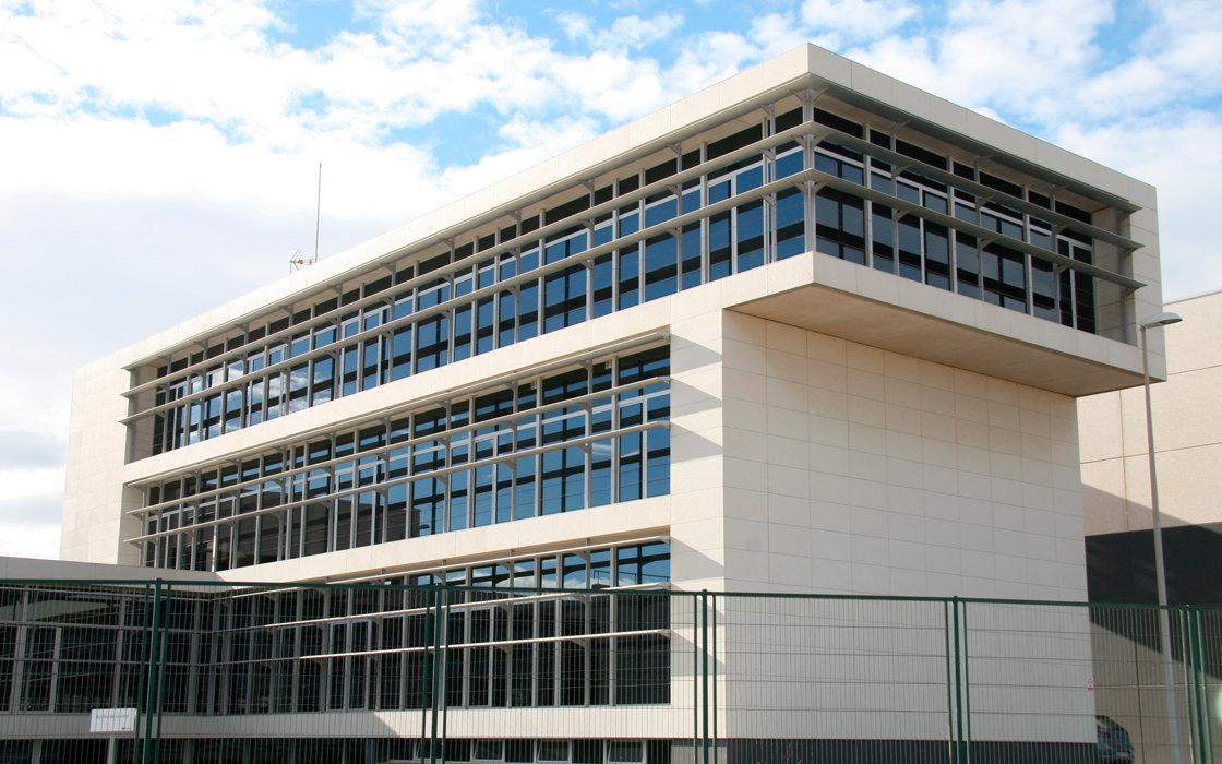 edifici de control de la dessalintzadora - el prat de llobregat - altayo (3)